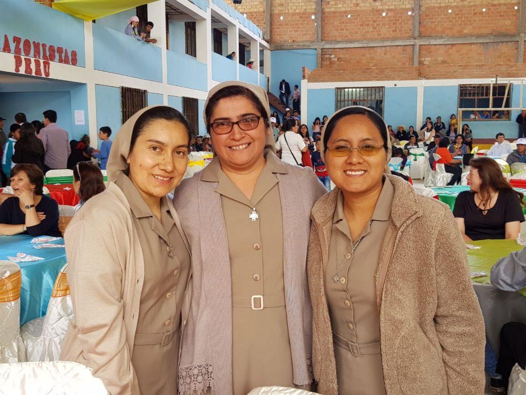 Hnas. Lindaura, Nancy, Evelyn