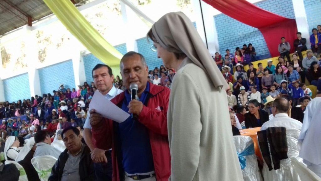 M. Haydeé con los alcaldes de Luya y Chachapoyas
